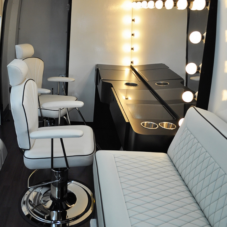 Mobile beauty salon van / Bars in amsterdam ny